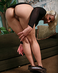 Anikka Albrite Blacks And Blondes