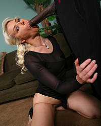 Anikka Albrite Blacks On Cougars Free