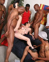 Bella-Nikole Black Big Black Dick Gallery