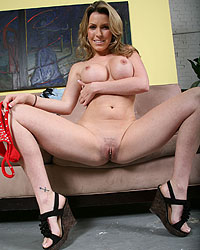 Courtney Cummz Blacks On Cougars Torrents