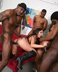 Giselle Leon Melanie Jagger Blacks On Blondes
