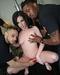 Jennifer White's Second Appearance Interracial Gangbang Rapidshare