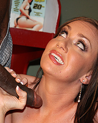 Valerie Luxe Cameron V Blacks On Cougars